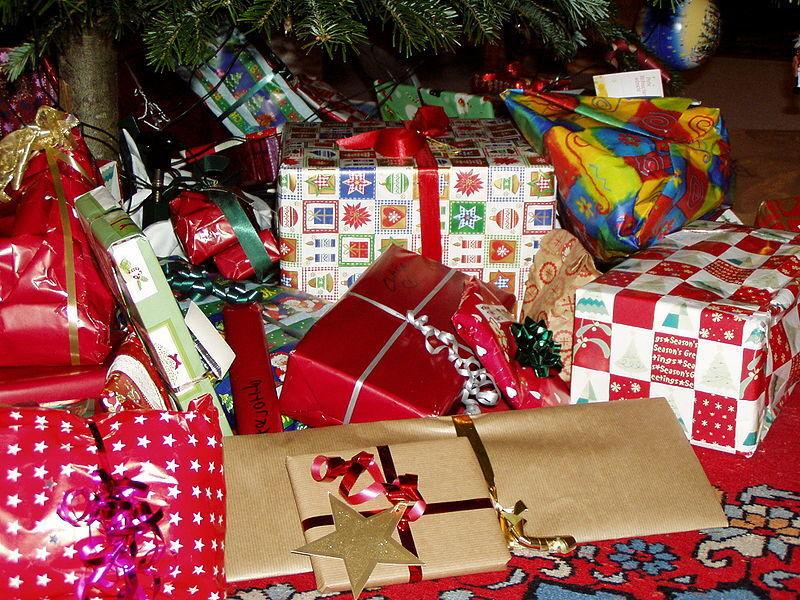 PHOTO: Christmas gifts