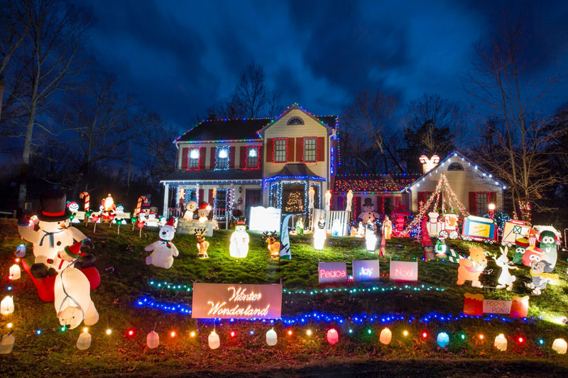 Must Be That Time Of Year 2015 S Grand Holiday Displays List Of Bright Christmas Lights Local News Fredericksburg Com