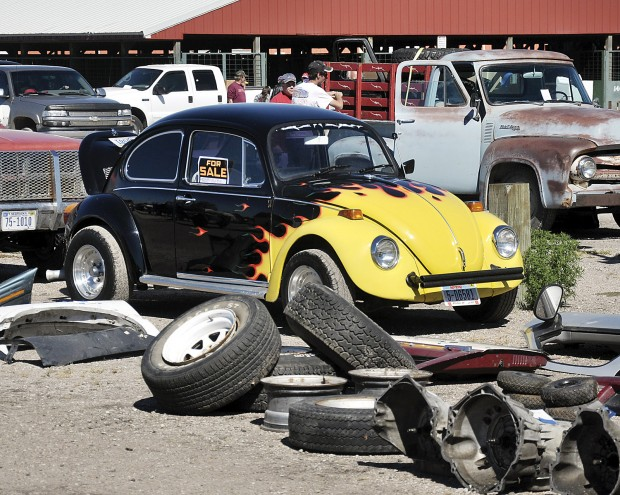 From Car Parts To Antiques Its All At The Swap Meet Local News - Car swap meet near me