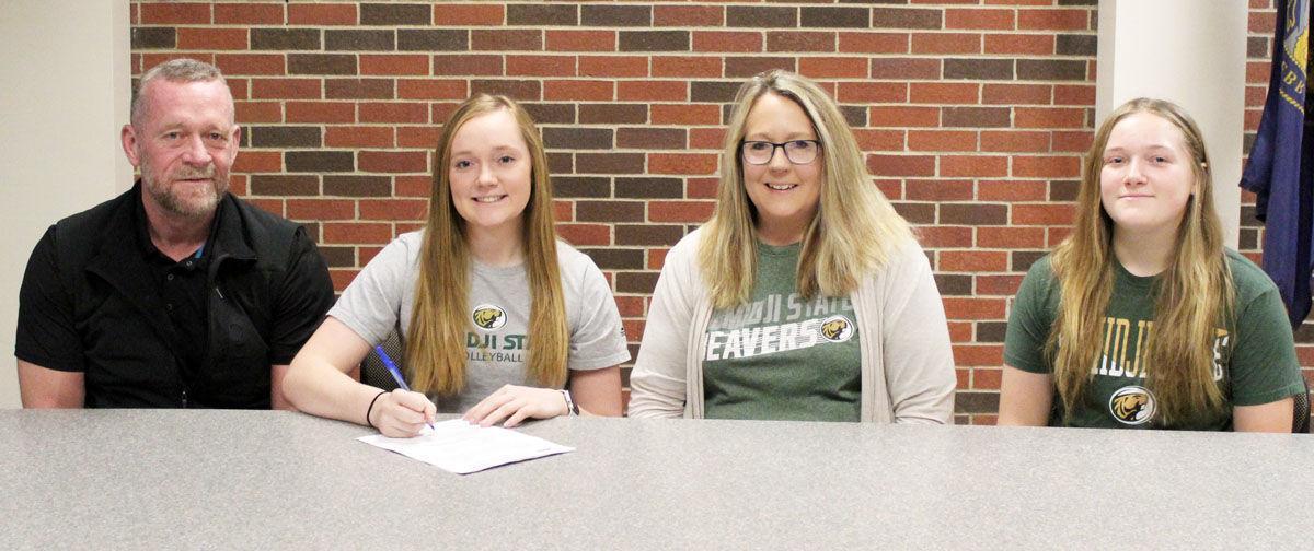 Lauren Justesen signs with Bemidji State