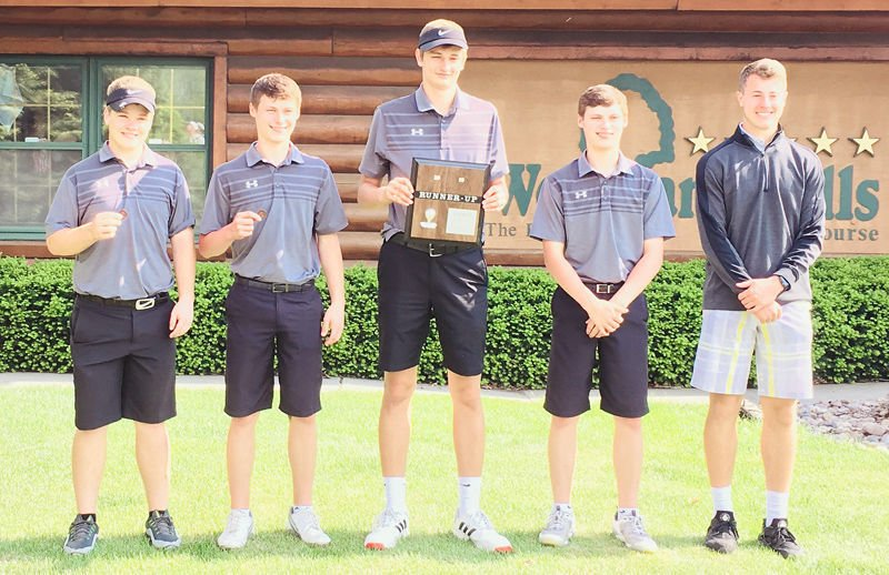 Elmwood-Murdock golfers second place at districts