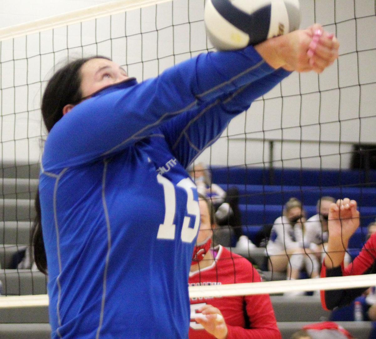 Rylee Hellbusch saves volleyball vs Platteview