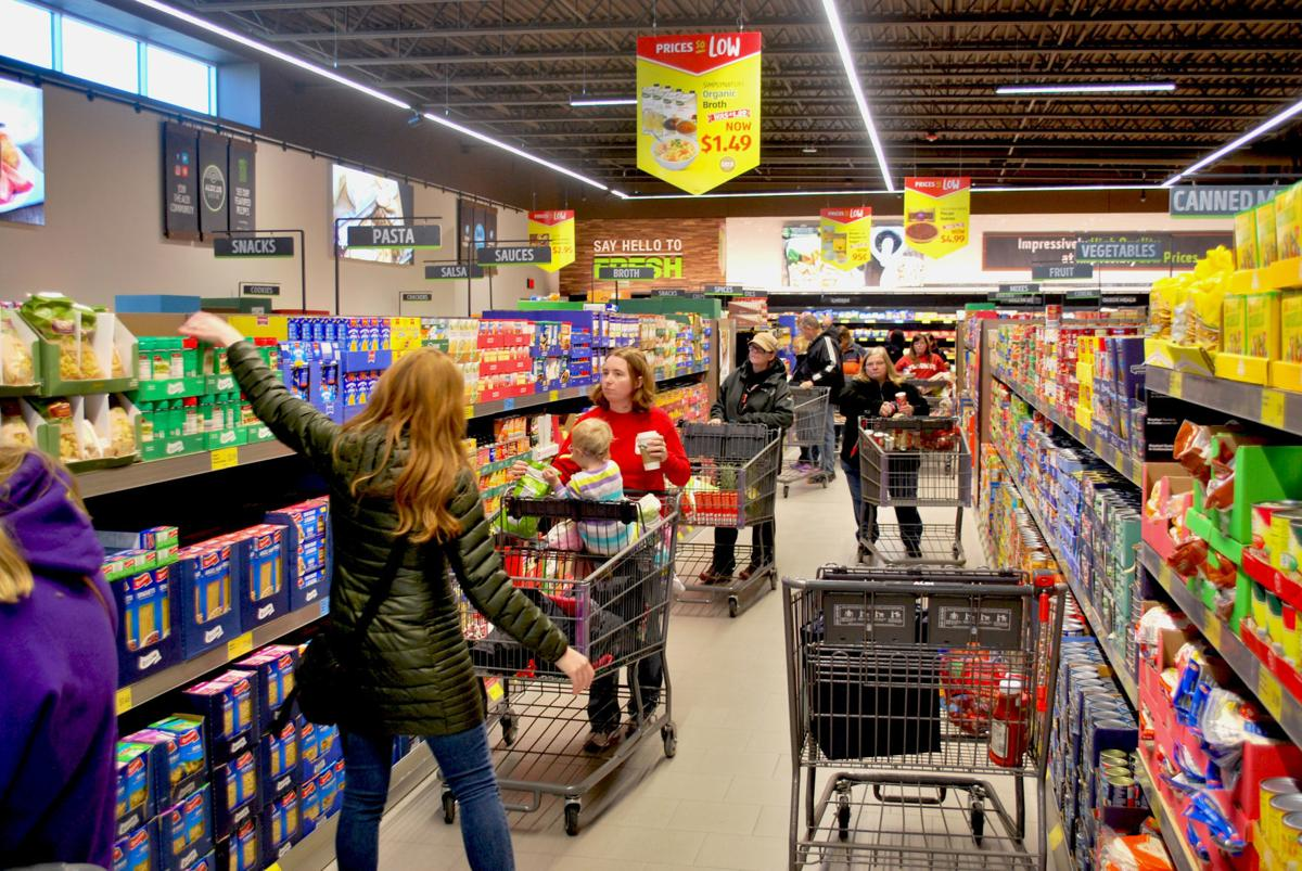 Customers Line Up For Aldi Opening Local Fremonttribune Com