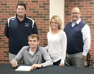 Carter Bornemeier signing with DMACC photo