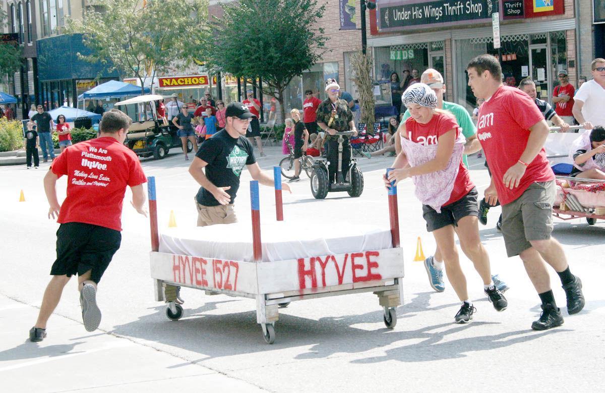 0914_Hy-Vee bed race