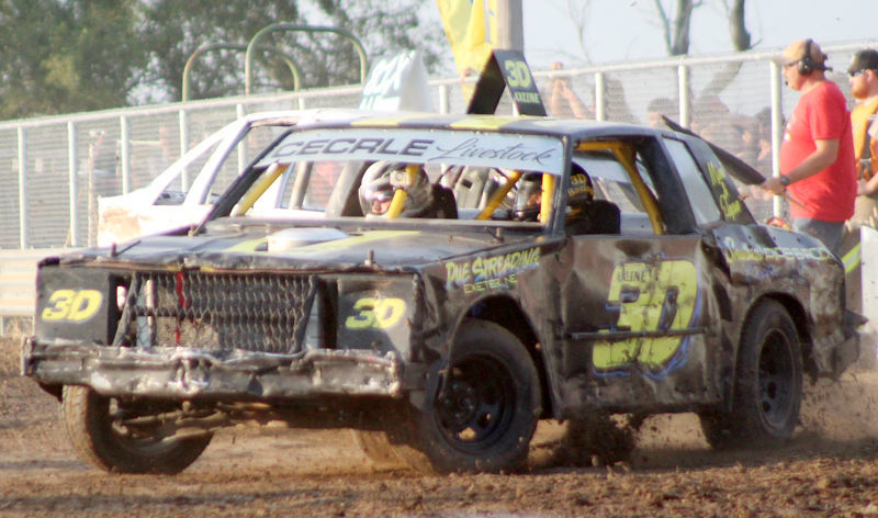 Car racing photo 2