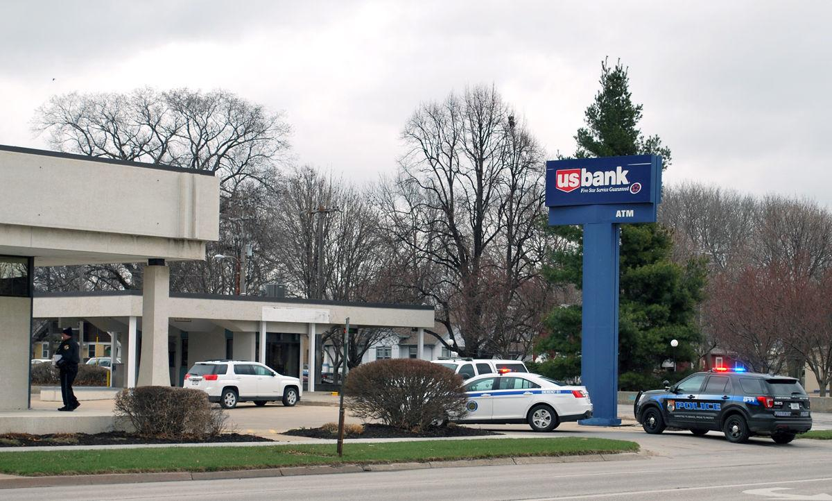 Downtown branch of U S  Bank is robbed