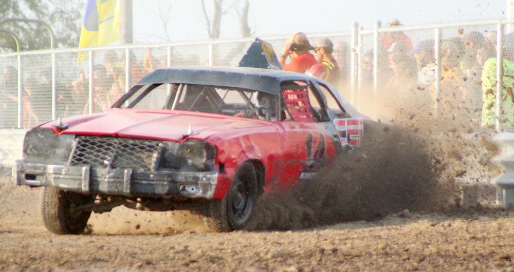 Car racing photo 1