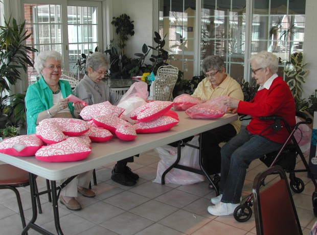 Heart-shaped pillows provide comfort to cancer patients ...