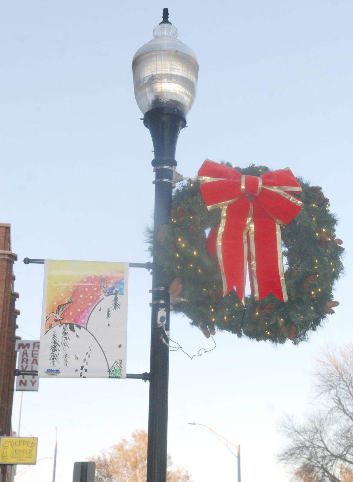 Lamp post with Christmas wreath