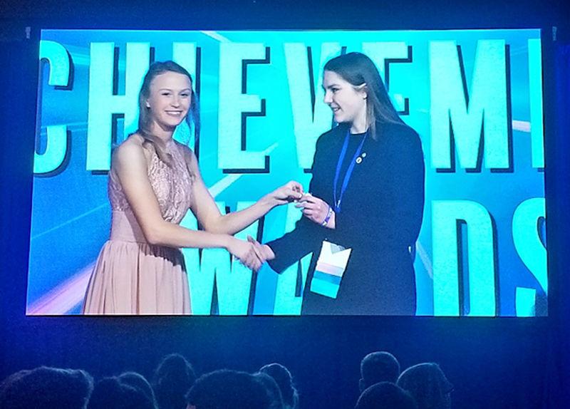 Cassidy Hartig receives leadership award