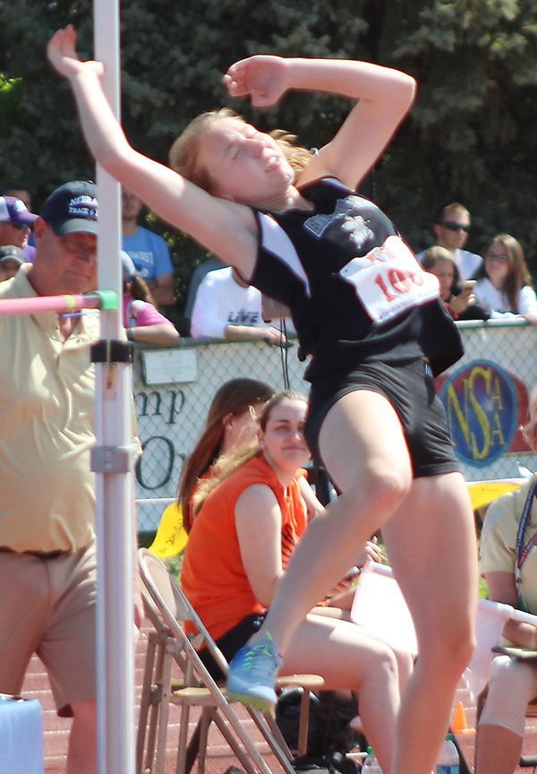Elmwood-Murdock Chloe Hosier high jump