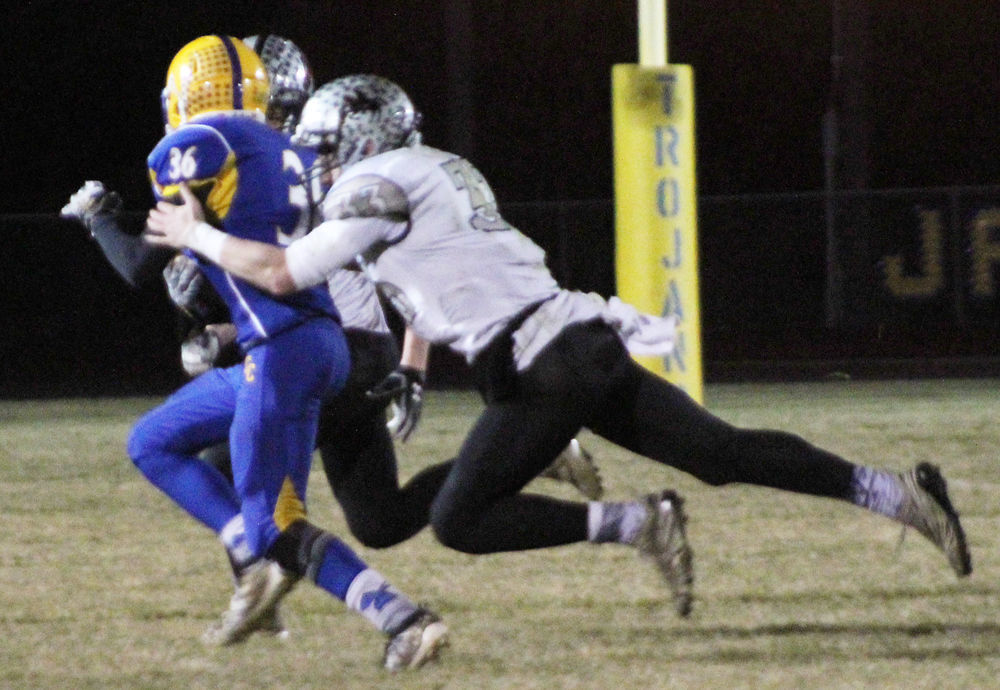 Drake Spohr makes tackle for Knights
