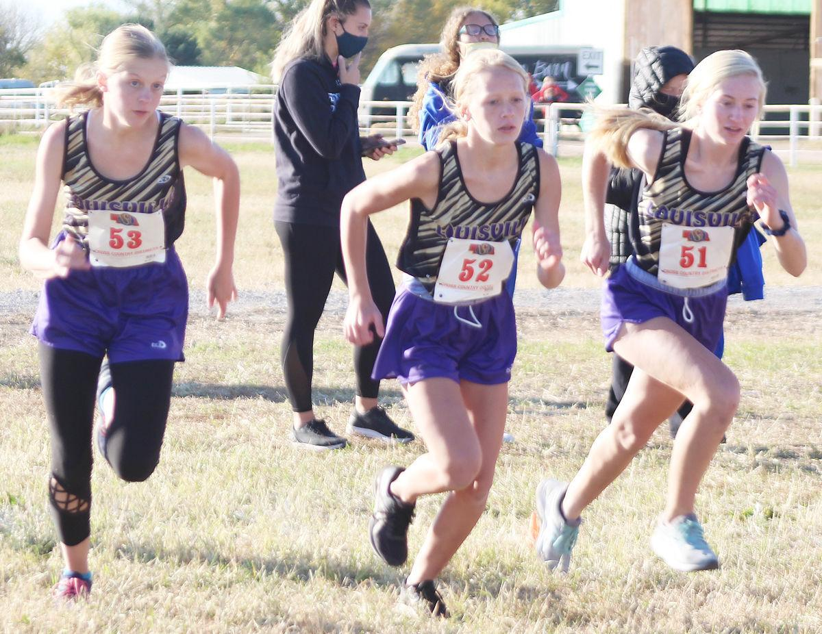 Three Louisville girls start race