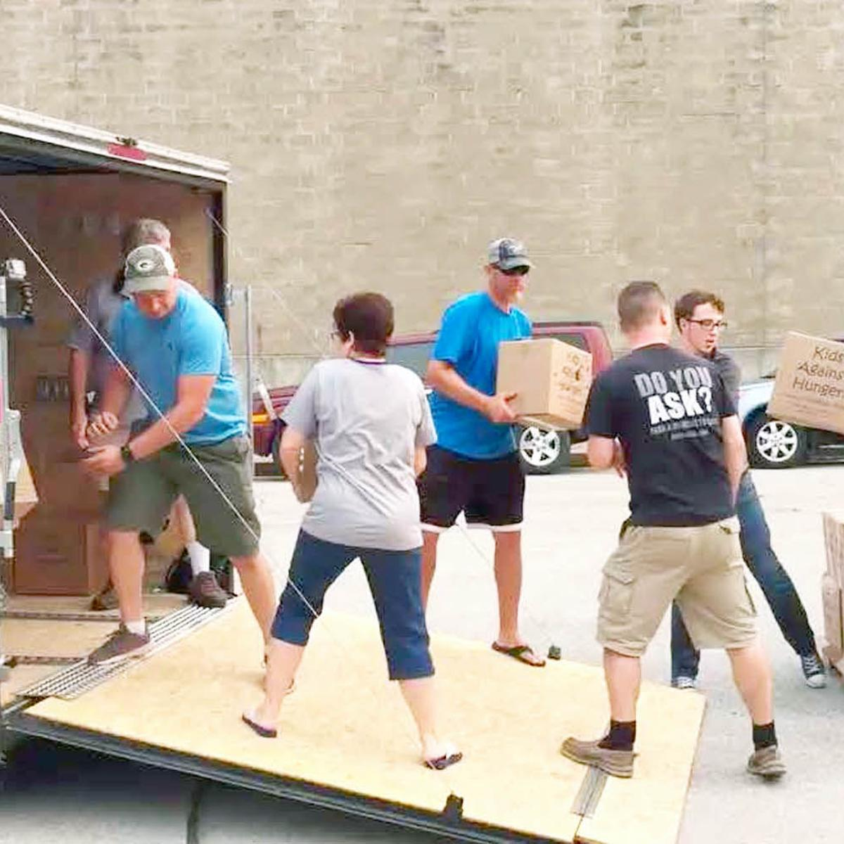 OneLife Church members help feed Texans in Hurricane