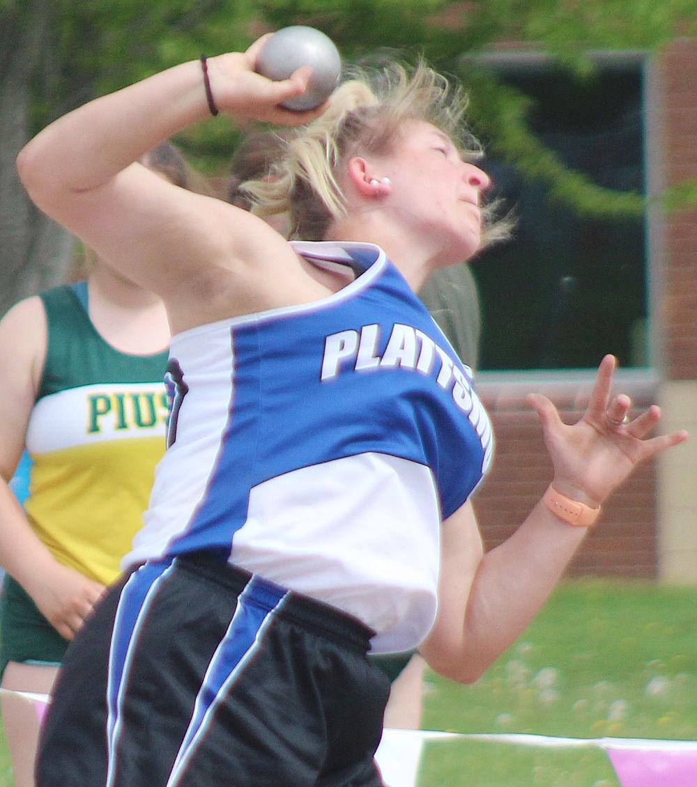 Josie Knust throws shot put