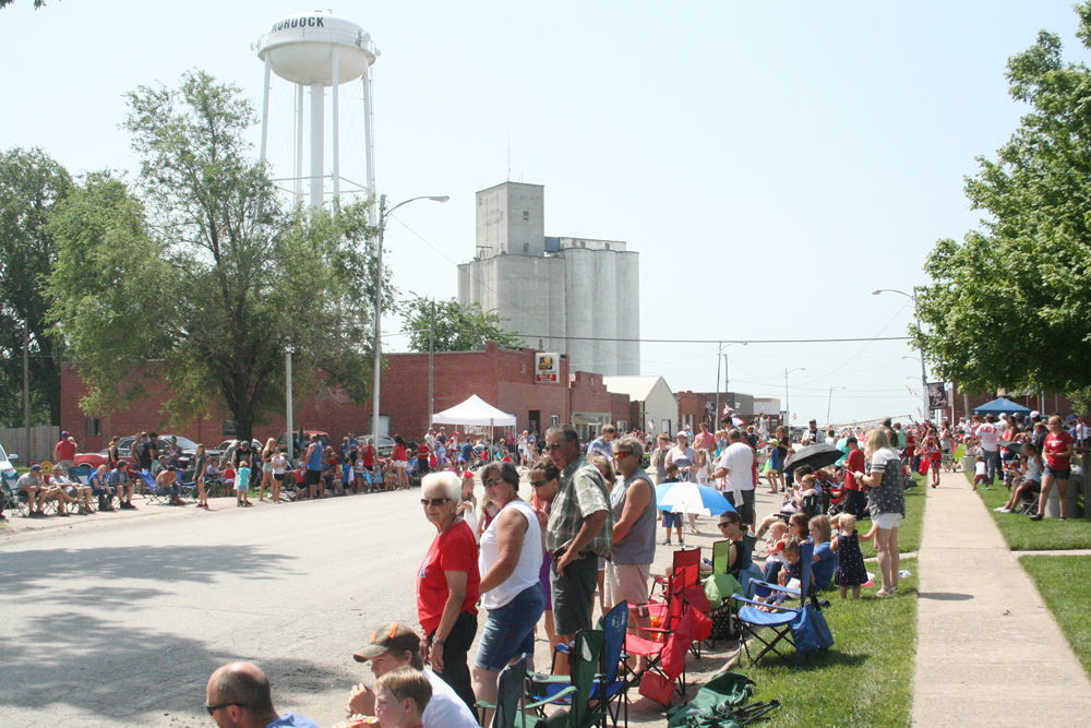 Crowd at Murdock 4th of July parade