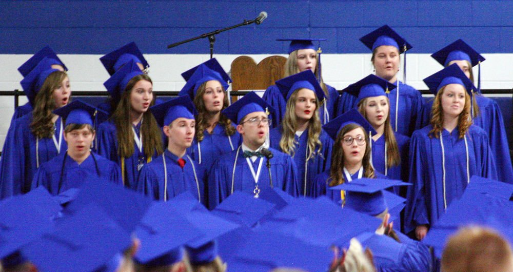 Plattsmouth choir sings at graduation