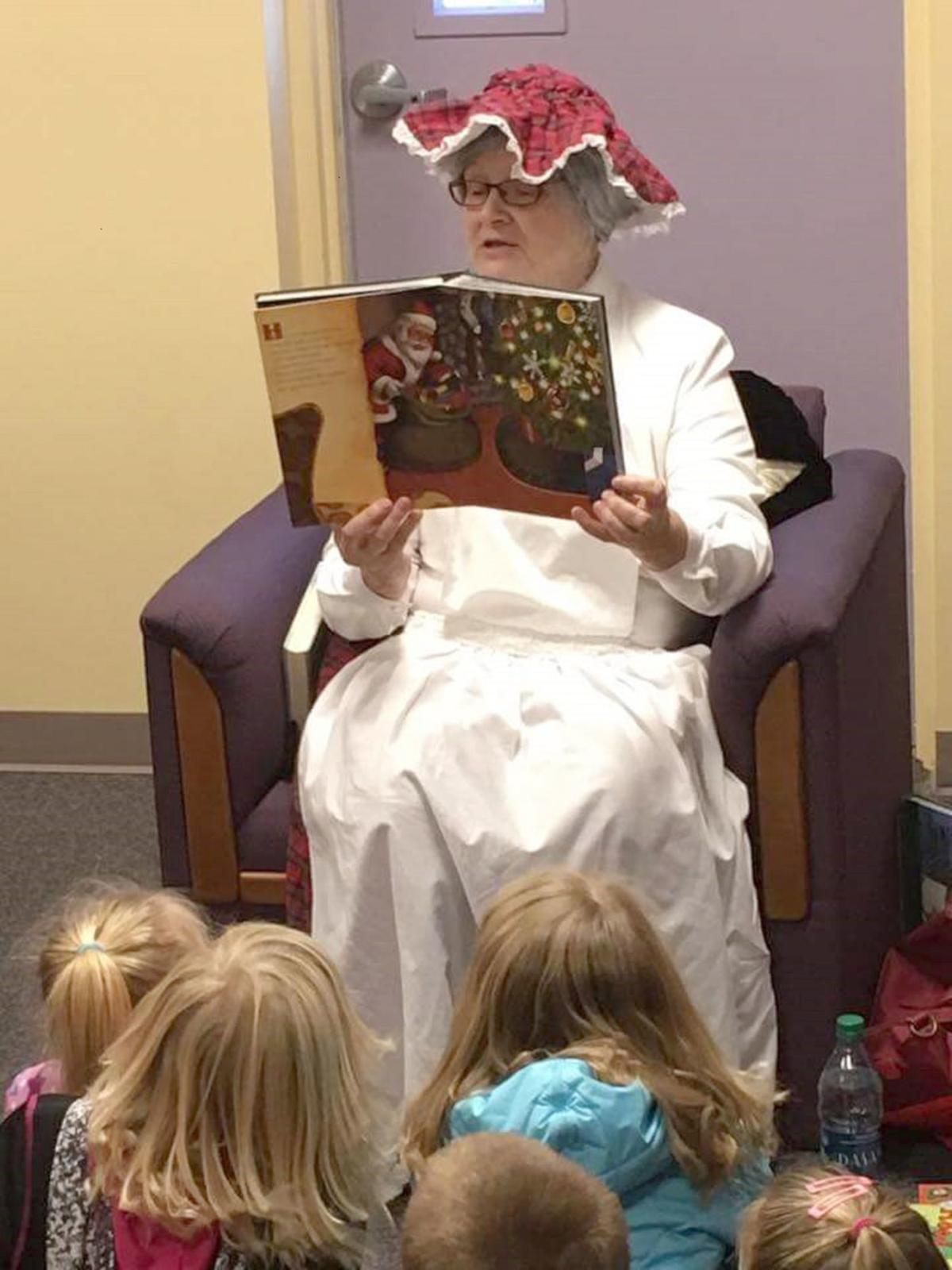 Mrs Claus reading in Hooper