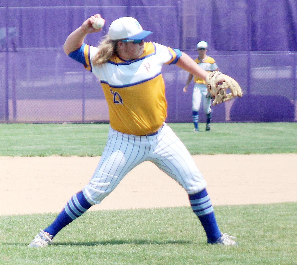 Ben Laney makes play at third base