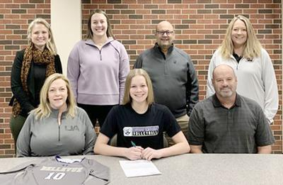 Nicole Meyer signs with Bellevue VB