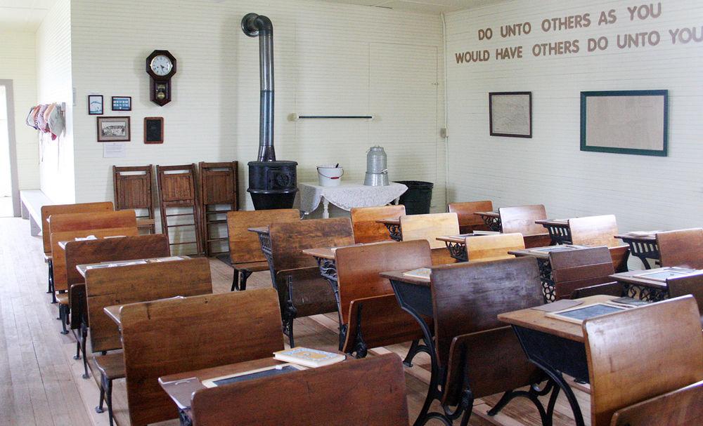 Murdock one room schoolhouse
