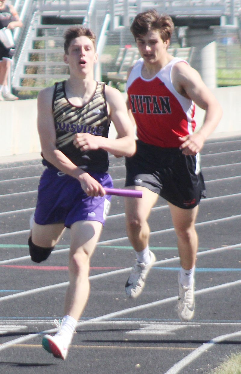 Talon Ball finishes first in 1600 relay
