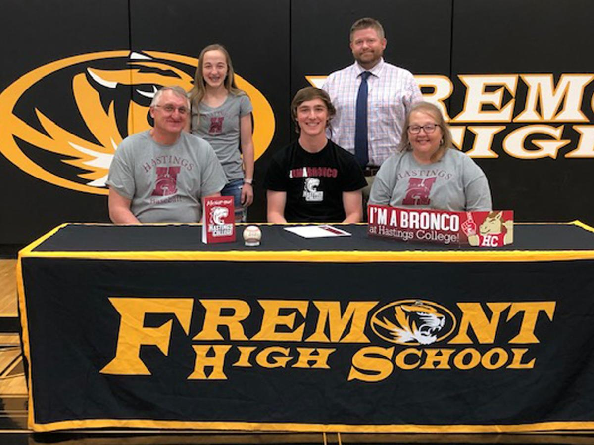 FRE_041521_FHS Signing_p3.jpg