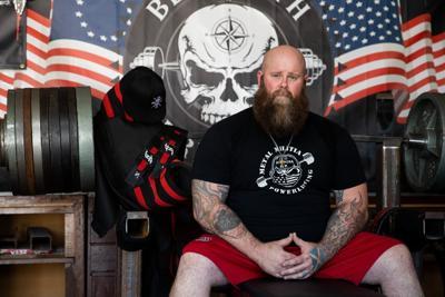 Nebraska weightlifter pursues grueling goal: a 1,000-pound bench-press