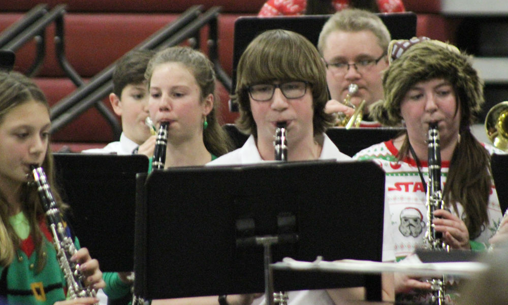 Band photo 1 ensembles all together