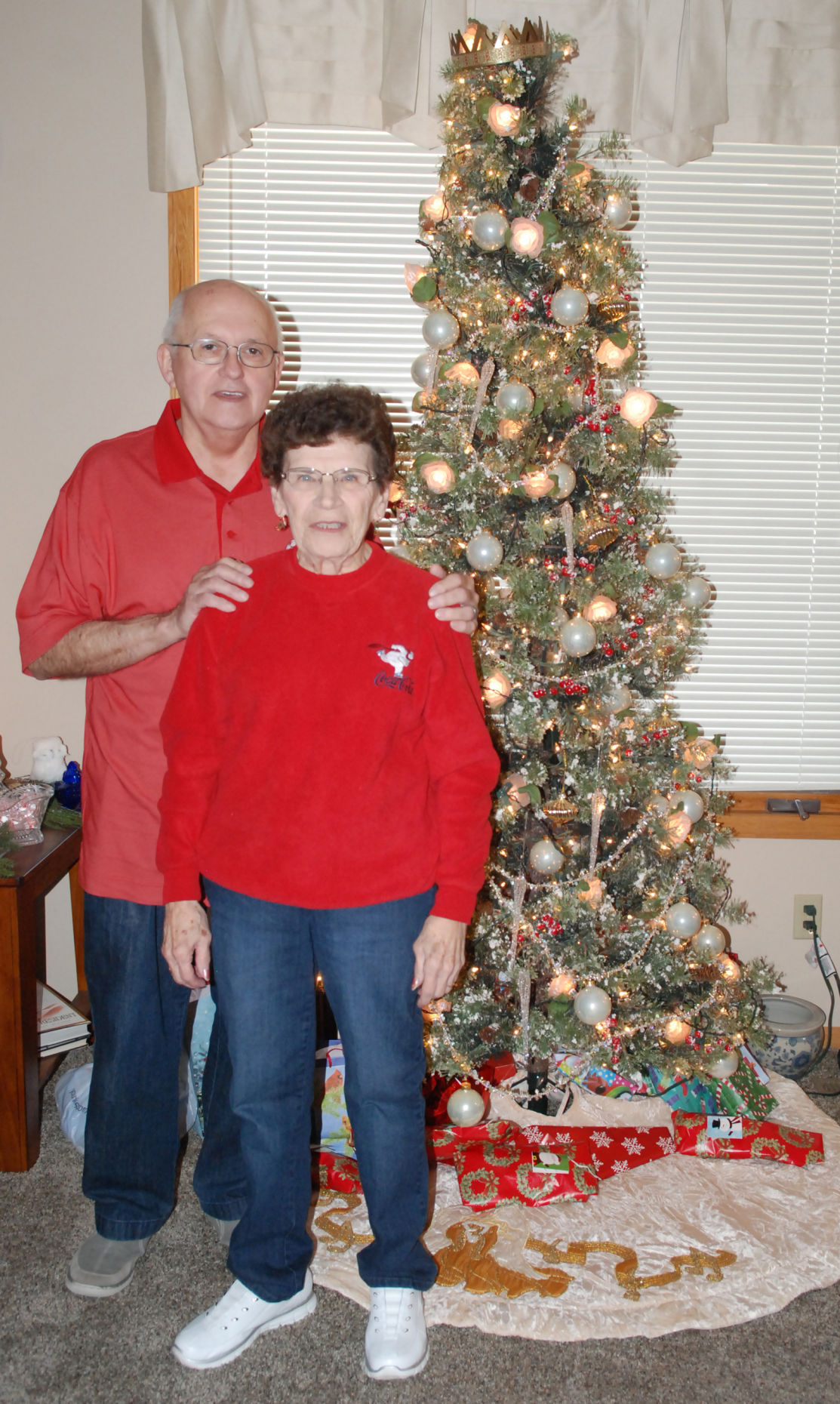 Christmas House Couple and tree