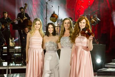Celtic Woman We Wish You A Merry Christmas.Celtic Woman Brings Holidays To Life In Alaska Once Again