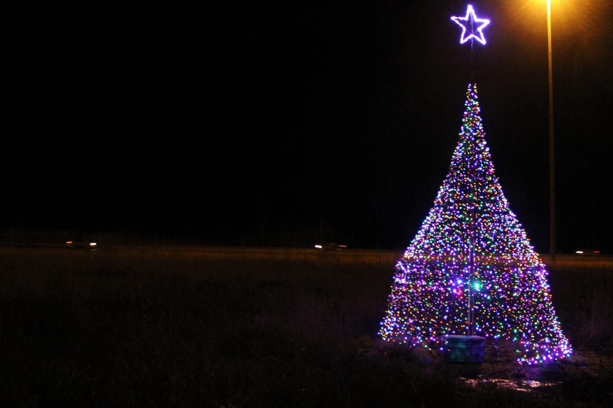 Glenn Highway Christmas tree
