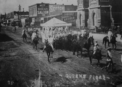 09-21 downtown 1905 web.jpg