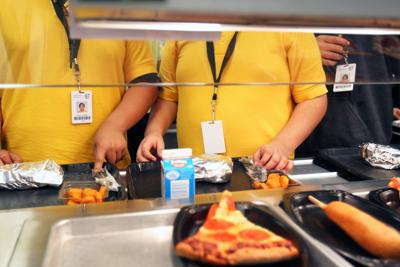 Texas schools ask to give free meals to parents when kids aren't present