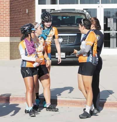 Texas 4000 rolls into Gainesville