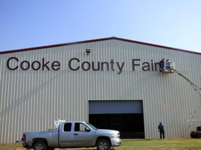 County youth barn gets new sign