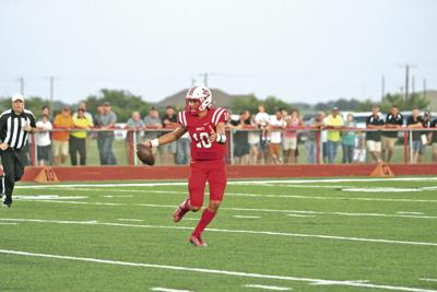 Muenster smothers Lovelady in 42-6 victory | Local Sports
