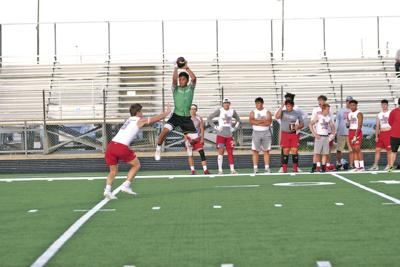 Valley View climbs 7-on-7 tourney ladder