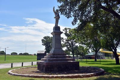 Confederate monument in Leonard Park