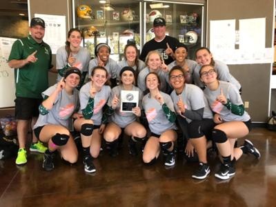 Hawks Win Varsity Stockton Classic Volleyball Tournament Over The Weekend Sports Galtheraldonline Com