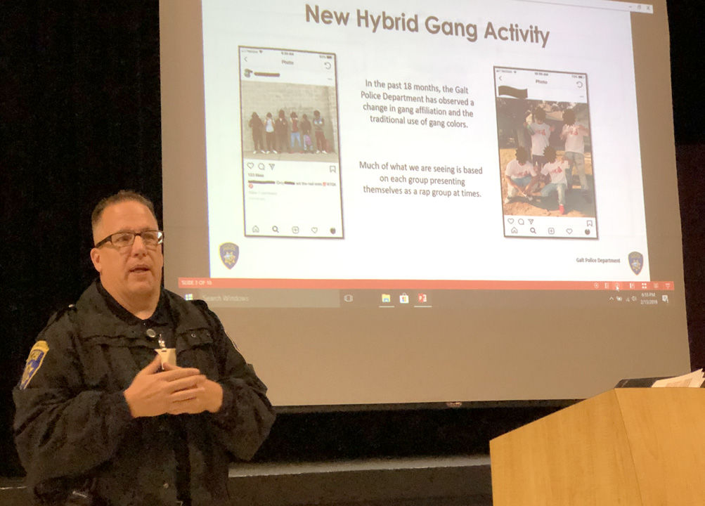 Galt police address gang activity to sparse crowd | News