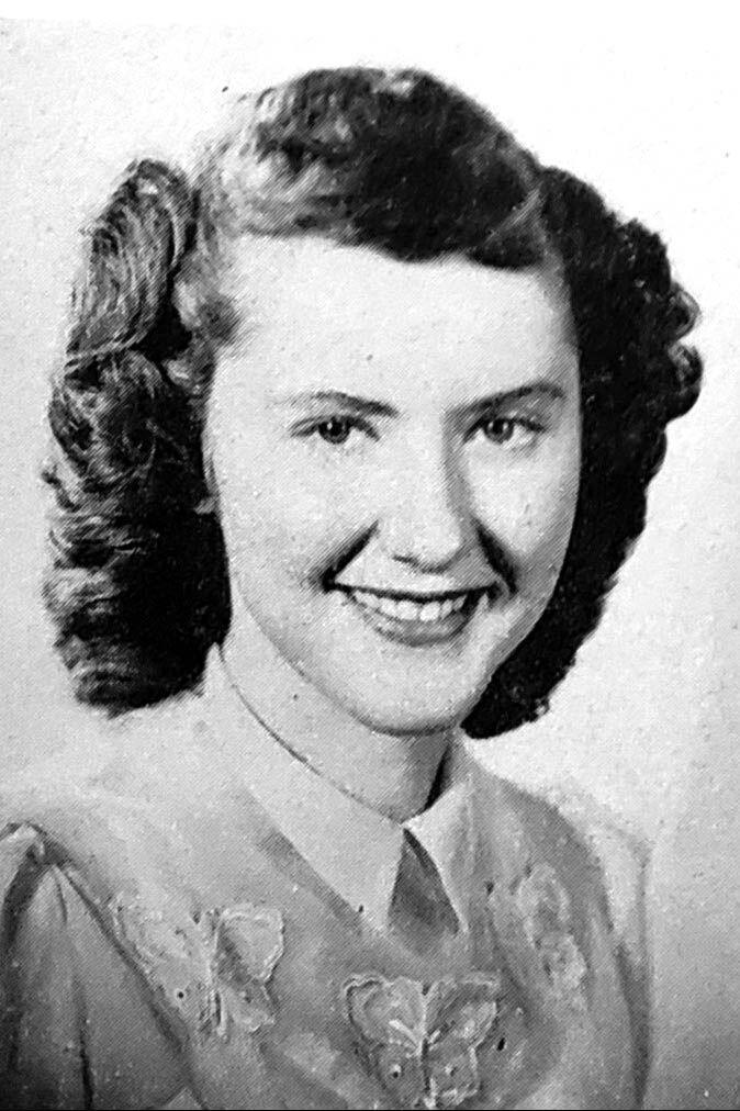 """Elizabeth """"Betty"""" Louise Devoe Lynch"""