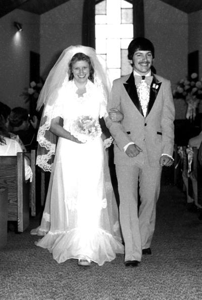 Bentciks celebrate 40th wedding anniversary