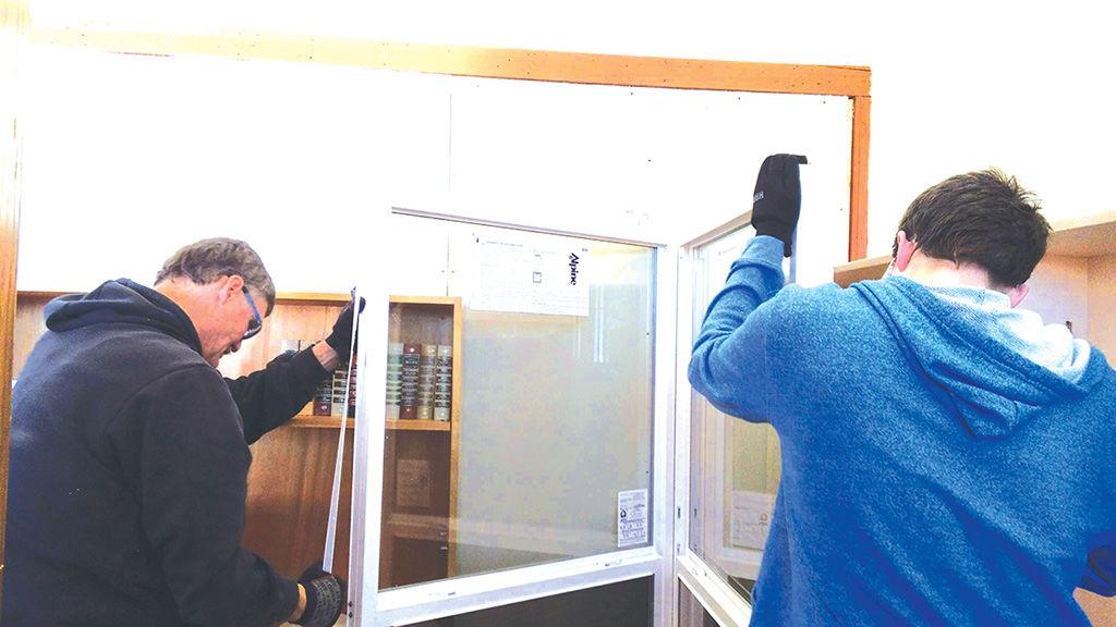 Volunteers improve Emida center