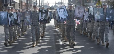 111118-adh-nws-Veterans Parade01-my