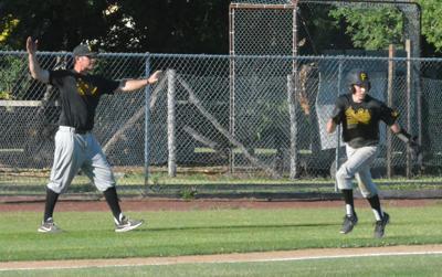 Les & Bob's baseball: Levi Webber, Skylar Brolin