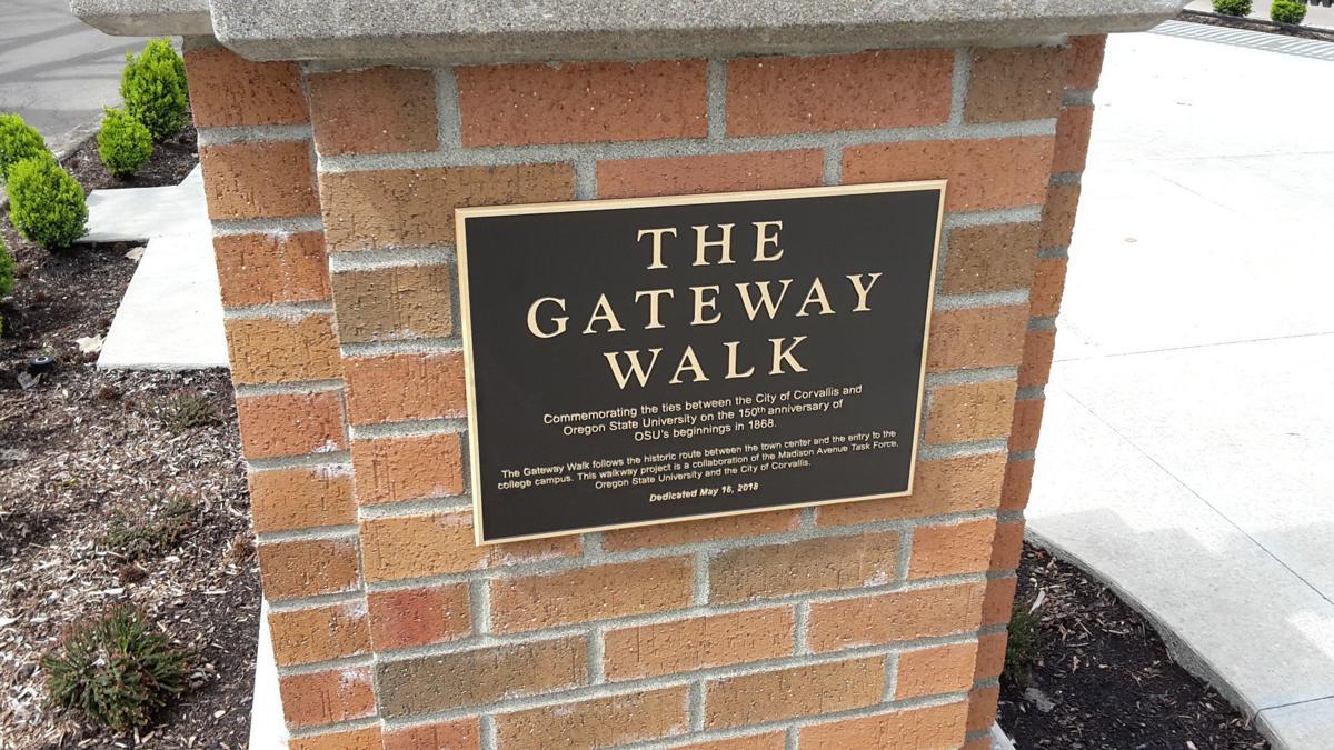 gateway-walk-plaque