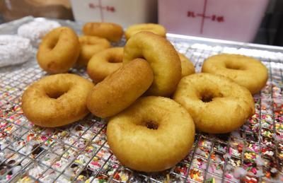 Benny's Donuts 02 (copy)