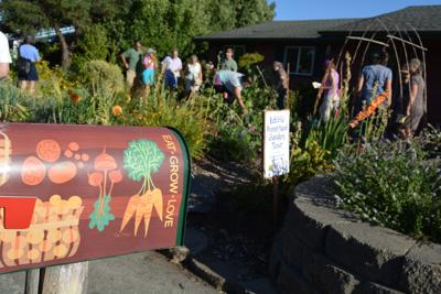 Edible Garden Tour (copy)